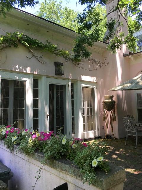 60  Lenwood Charleston, SC 29401