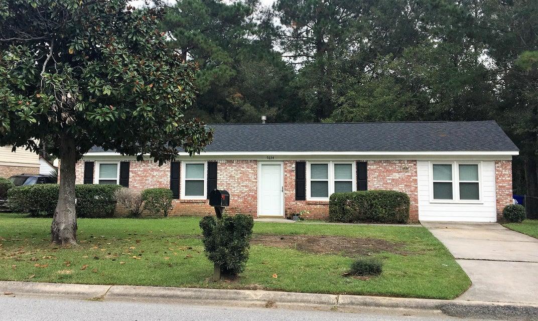 7634  Vanderbrook Place North Charleston, SC 29420