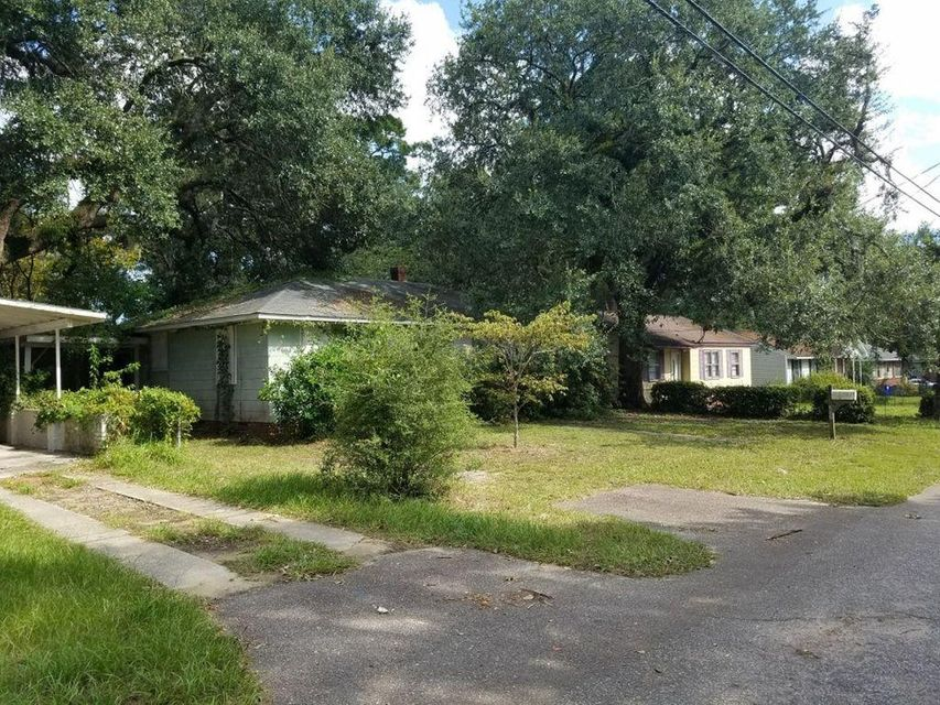 5622  Meadow Avenue North Charleston, SC 29406