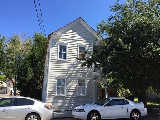 208  St Philip Street Charleston, SC 29403