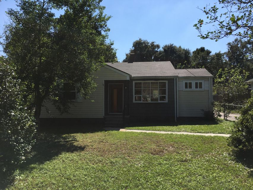 1525  Bexley Street North Charleston, SC 29405