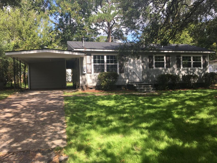 1556  Larry Street North Charleston, SC 29406