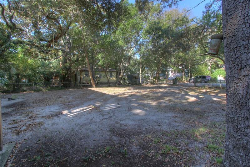 418 E Cooper Avenue Folly Beach, SC 29439