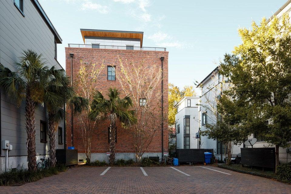 189  St Phillip Street Charleston, SC 29403