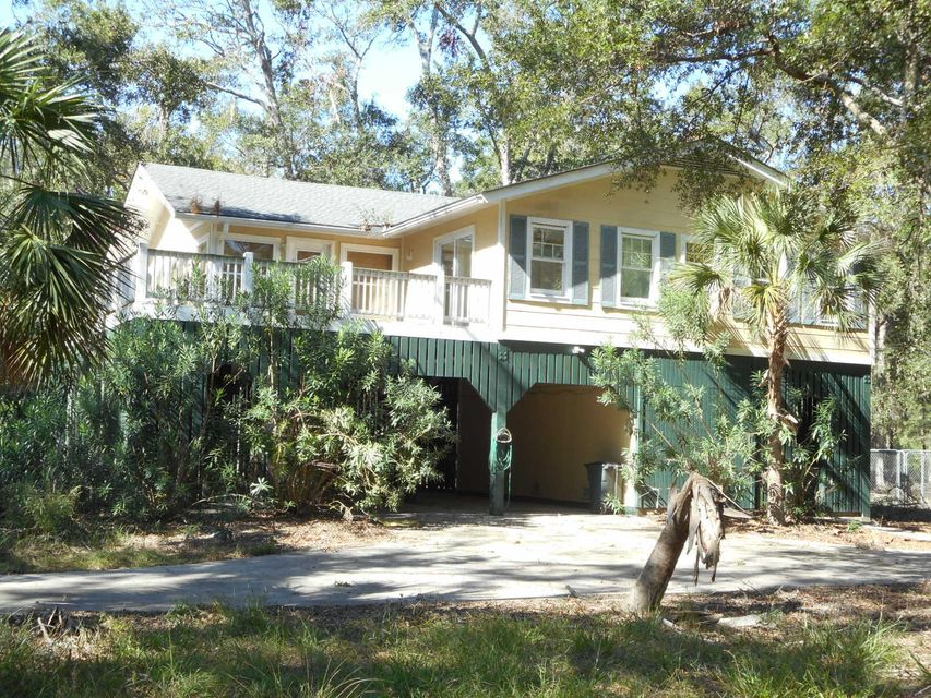 24  Cotton Bay Road Edisto Island, SC 29438
