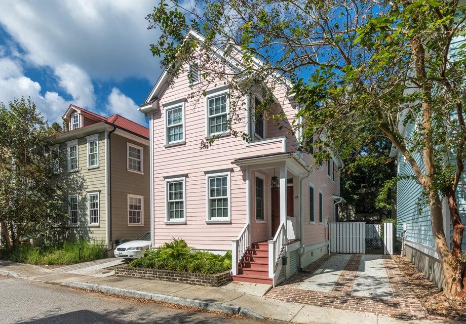 17  Radcliffe Place Charleston, SC 29403