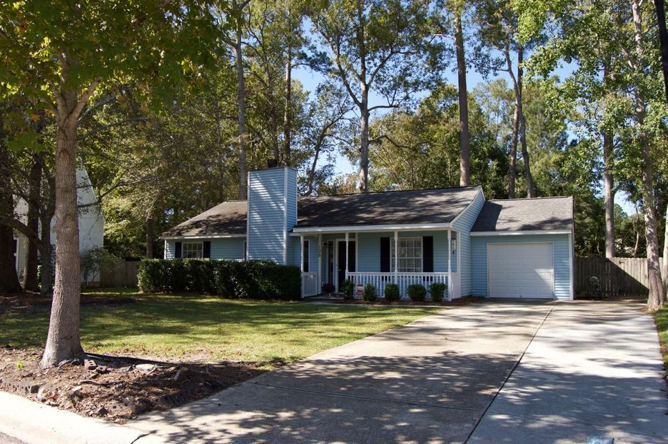 106  Blue Ridge Trail North Charleston, SC 29418