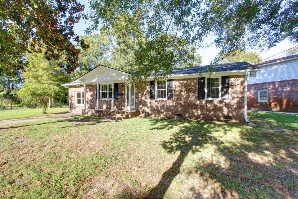 5338  Parkside Drive North Charleston, SC 29405
