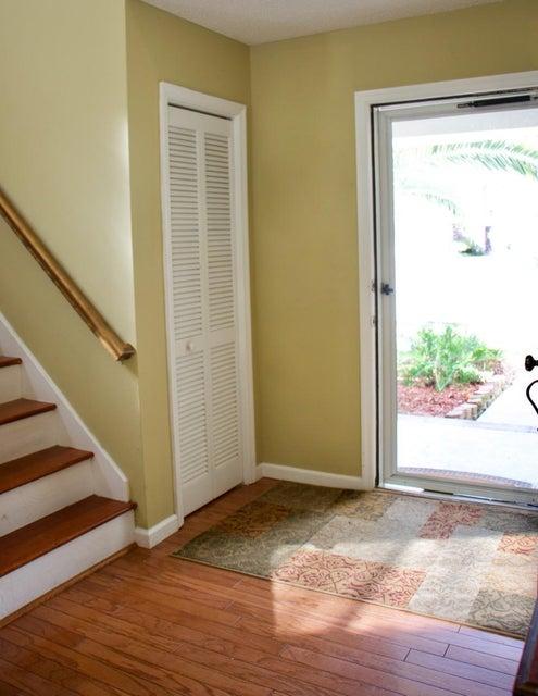101  Knightsbridge Drive North Charleston, SC 29418