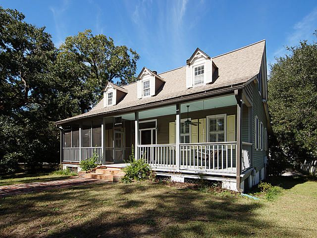 120  Mary Street Mount Pleasant, SC 29464
