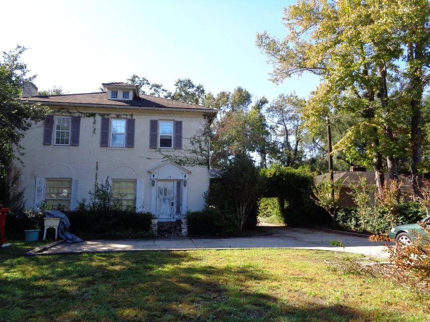 114  Folly Road Boulevard Charleston, SC 29407