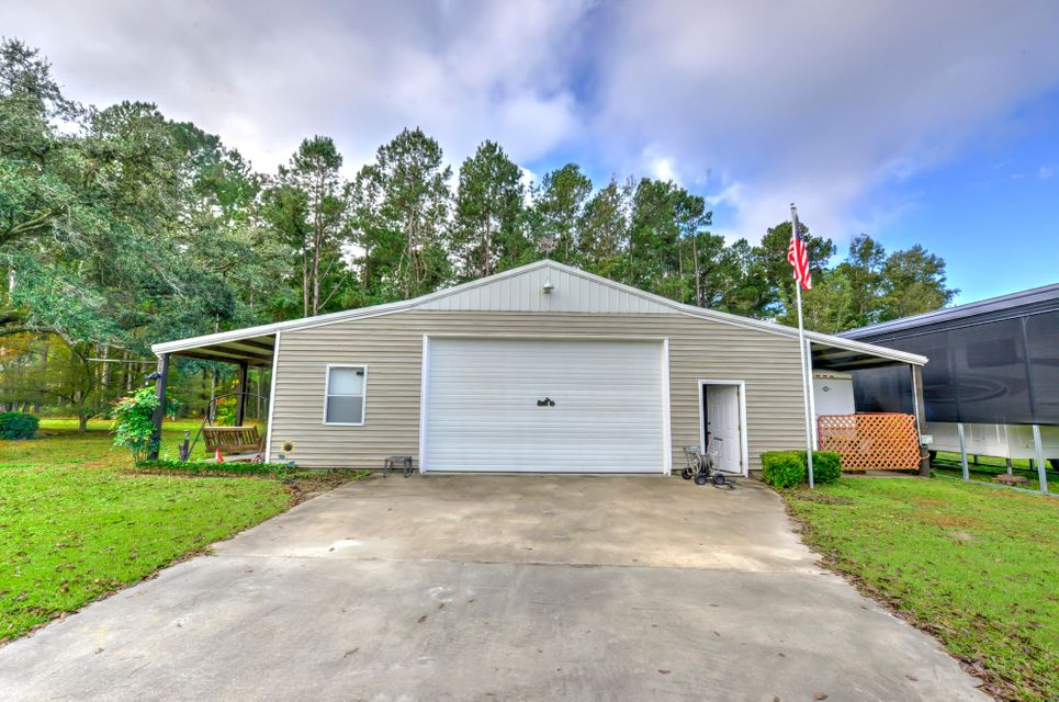 1069  Black Tom Road Moncks Corner, SC 29461