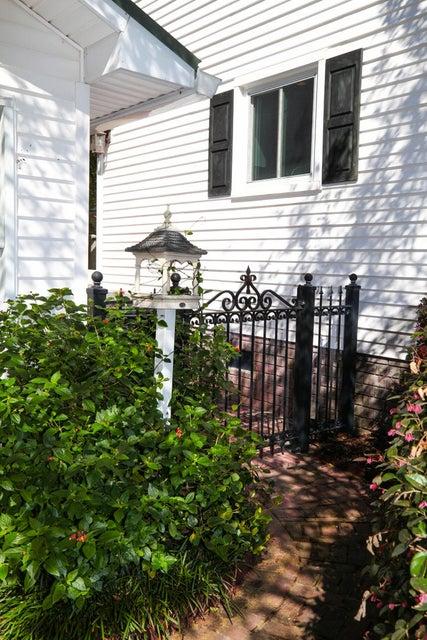 136  Almond Street Pinopolis, SC 29469