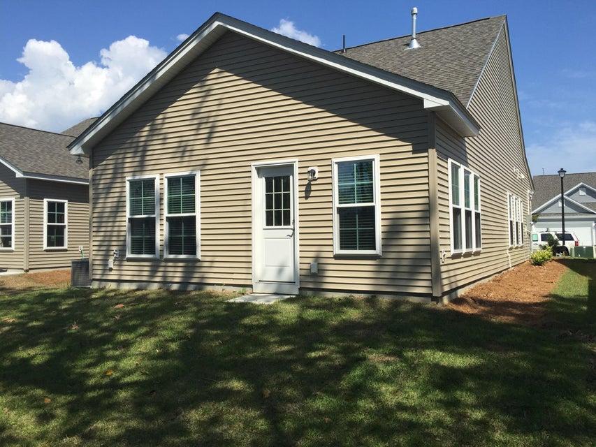1445  Oldenburg Drive Mount Pleasant, SC 29466