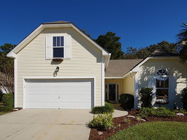 1516  Wellesley Circle Mount Pleasant, SC 29466