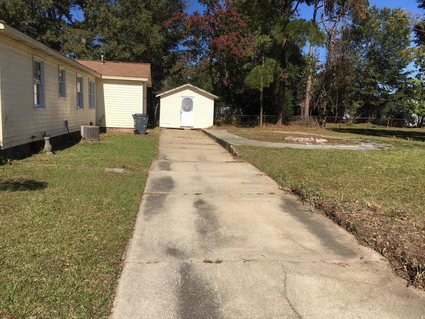 7604  Hillview Lane North Charleston, SC 29420