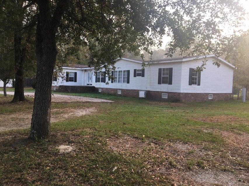 210  Thomas Drive Summerville, SC 29483