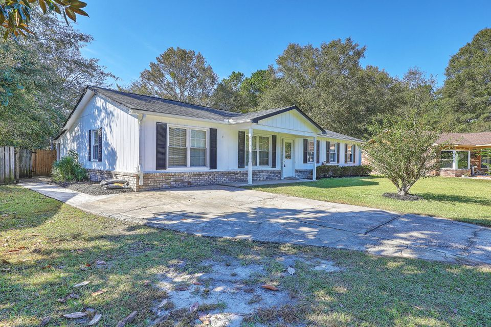 124  Lionel Lane Summerville, SC 29483