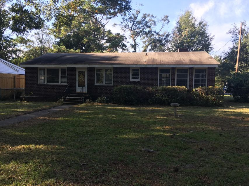 642  Coral Street Mount Pleasant, SC 29464