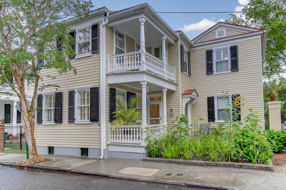 44  Savage Street Charleston, SC 29401