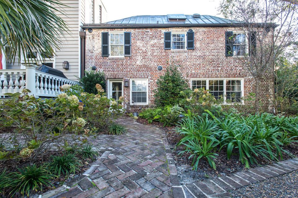 125  Tradd Street Charleston, SC 29401