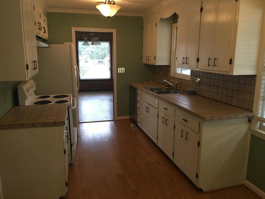 642  Coral Street Mount Pleasant, SC 29464