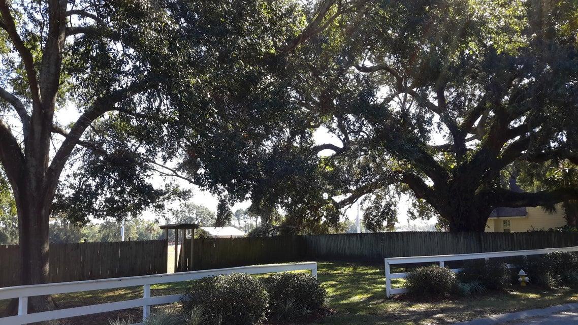 1062  Five Oaks Drive Charleston, SC 29412