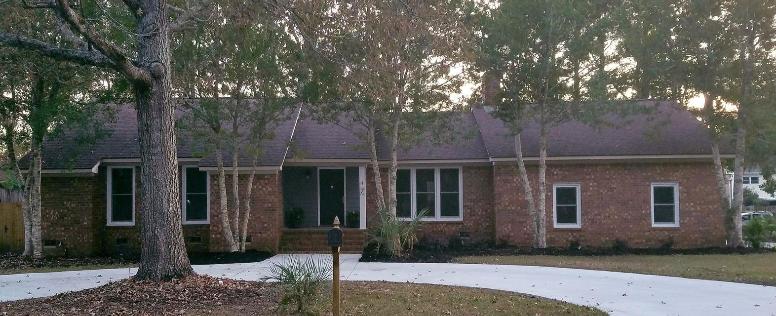 7  Hunters Forest Drive Charleston, SC 29414