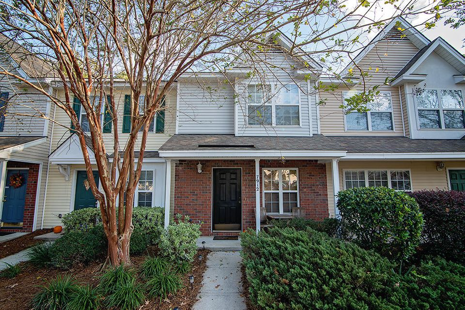 7912  Shadow Oak Drive North Charleston, SC 29406