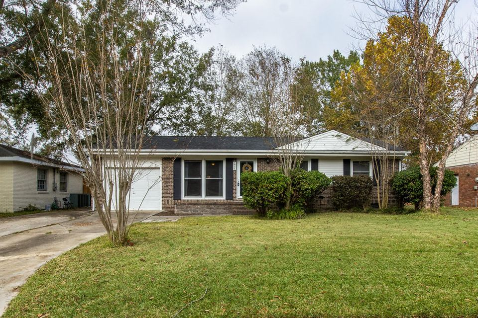 304  Holly Avenue Goose Creek, SC 29445