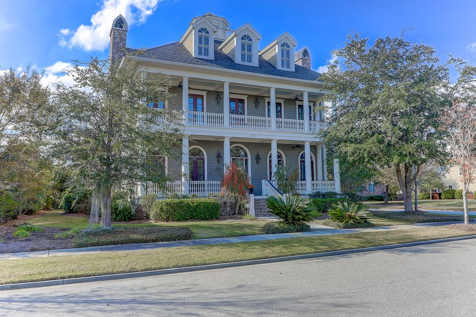 Daniel Island Homes For Sale - 107 Balfour, Charleston, SC - 4
