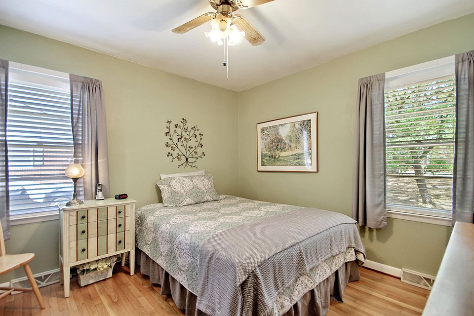 West Glow Homes For Sale - 1138 Crull, Charleston, SC - 12