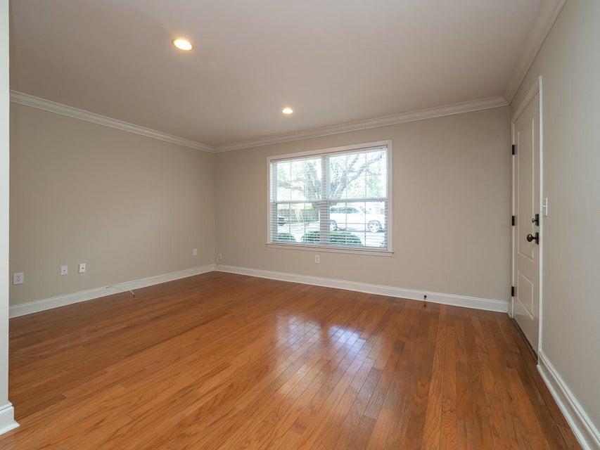 Village Oaks of Mt Pleasant Homes For Sale - 1240 Fairmont, Mount Pleasant, SC - 4