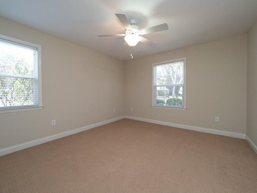 Village Oaks of Mt Pleasant Homes For Sale - 1240 Fairmont, Mount Pleasant, SC - 9