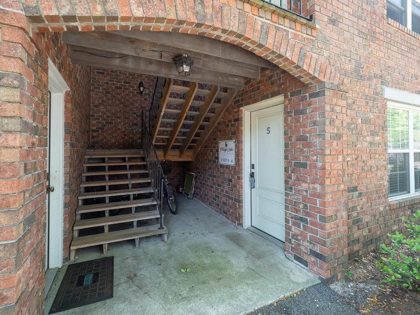 Village Oaks of Mt Pleasant Homes For Sale - 1240 Fairmont, Mount Pleasant, SC - 3