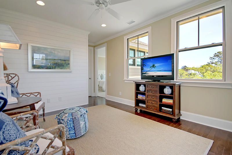 Locountry.com - MLS Number: 17009746