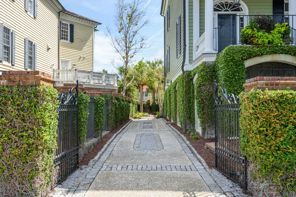 South of Broad Homes For Sale - 106 Murray, Charleston, SC - 4