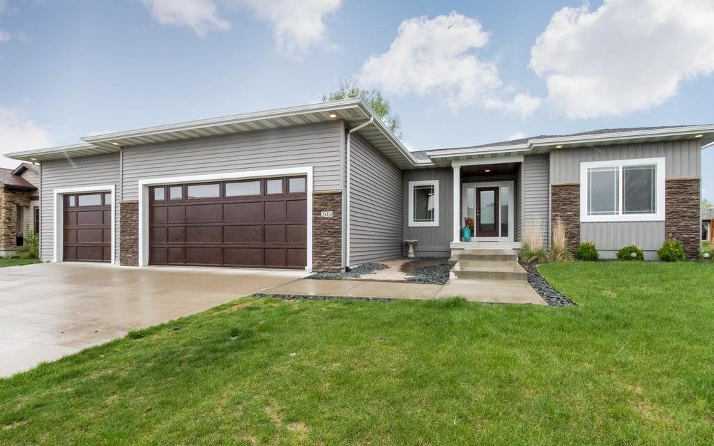 203 Prairie View Drive, Gilbert, IA 50105