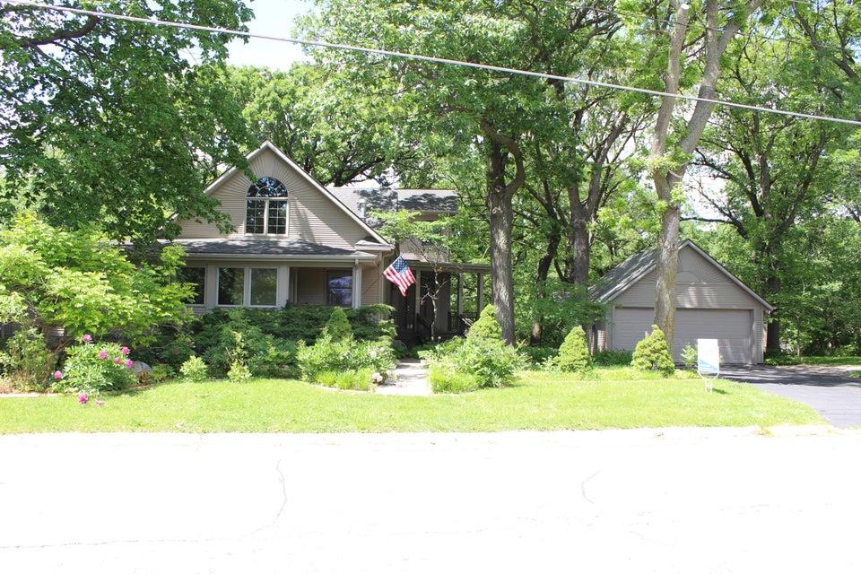 203 Hickory Drive, Ames, IA 50014