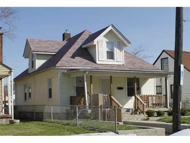 Photo of home for sale at 1044 13th Avenue E, Columbus OH