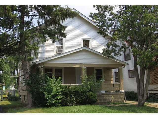 Photo of home for sale at 1106 18th Avenue E, Columbus OH