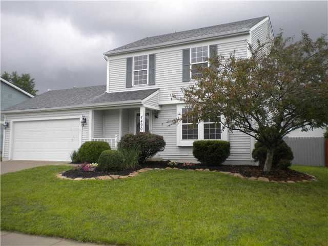 Photo of home for sale at 7490 Harbour Town Drive, Pickerington OH
