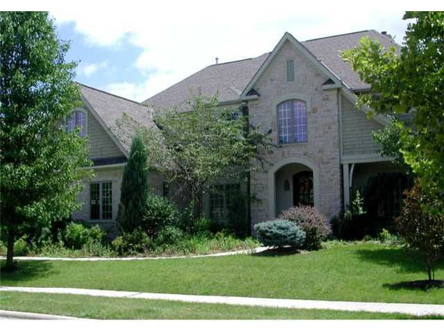 Photo of home for sale at 5924 Dunheath Loop, Dublin OH