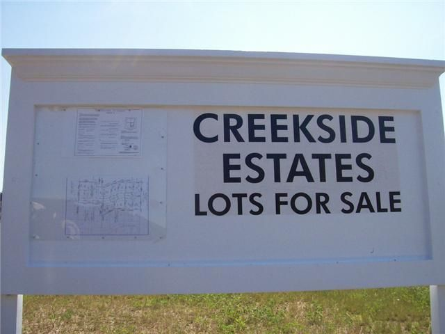 Photo of home for sale at 795 Creekside Drive, Lancaster OH