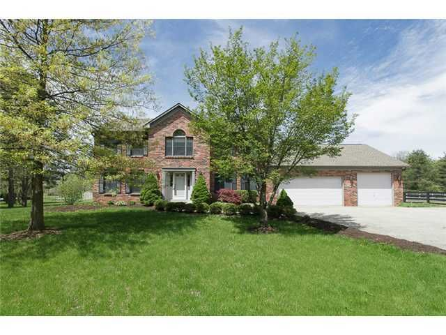 Photo of home for sale at 7470 Red Bank Road, Westerville OH