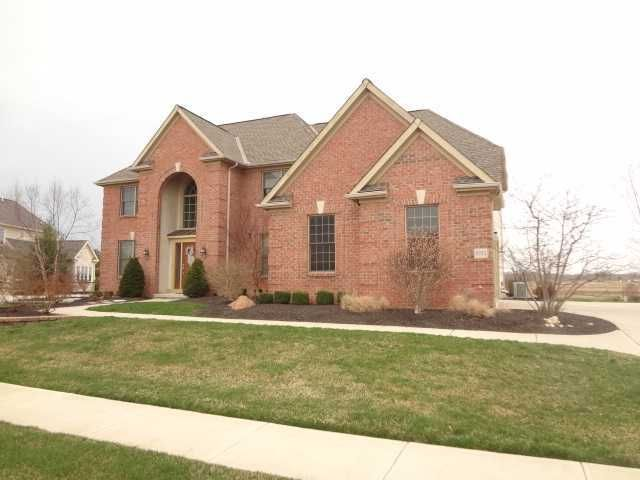 Photo of home for sale at 5753 Ballantrae Circle, Dublin OH