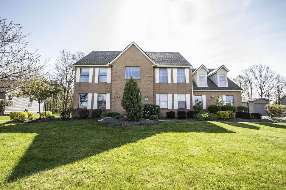Photo of home for sale at 73 Epernay Avenue, Pataskala OH