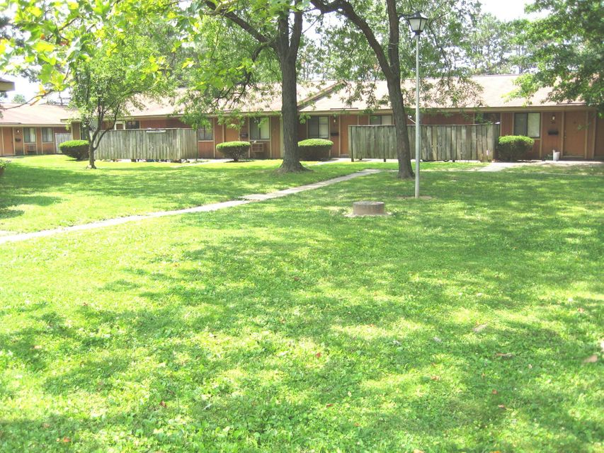Photo of home for sale at 907 Heritage Drive W, Whitehall OH