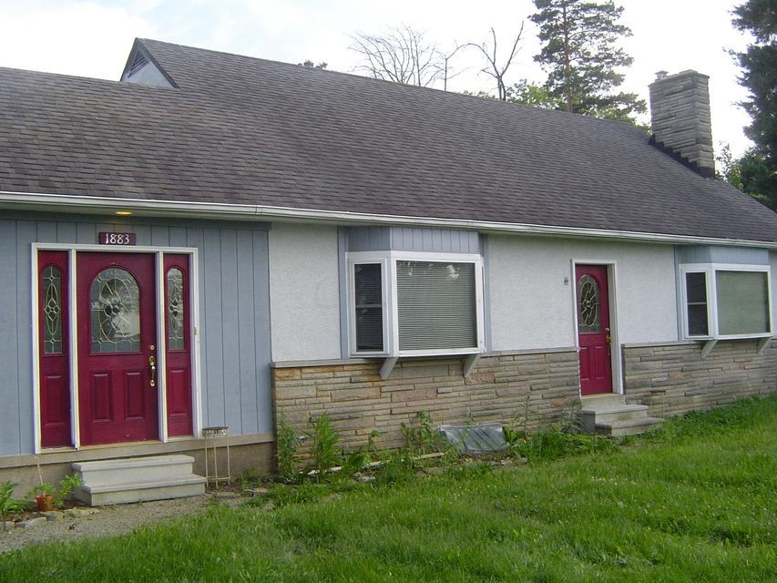 Photo of home for sale at 1883 CASE Road W, Columbus OH