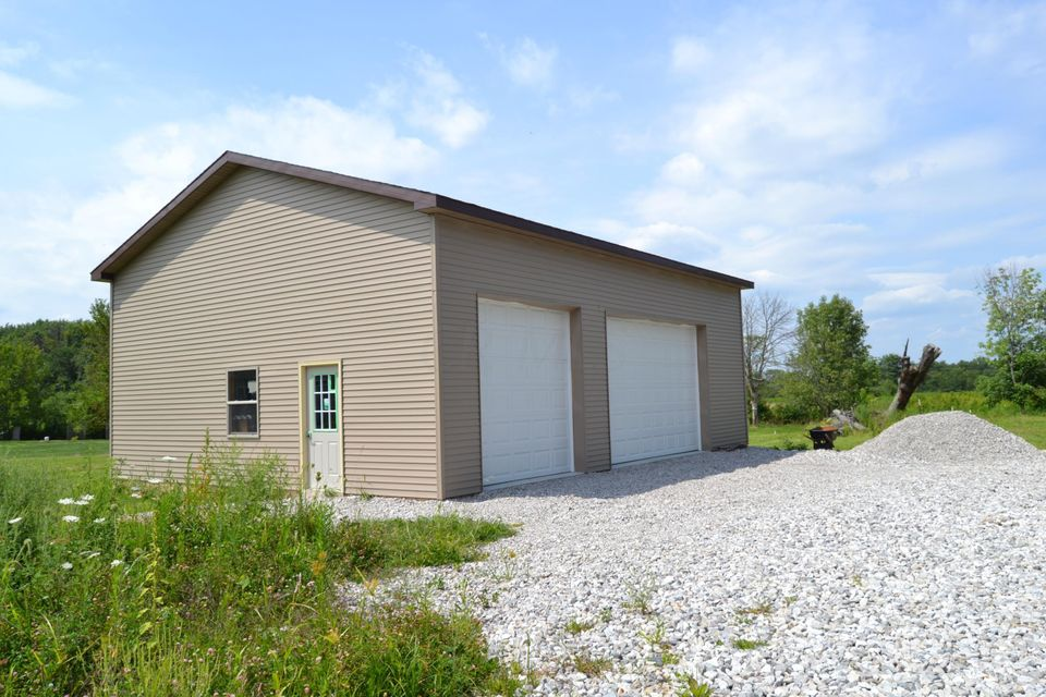 Photo of home for sale at 6473 Sherman Road, Galena OH